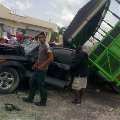 Higüey : Al menos 16 heridos en un accidente