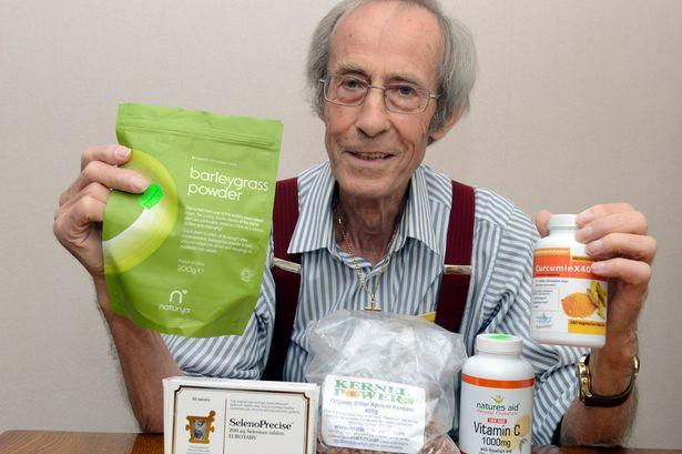 """Abuelo de 78 años logró vencer cáncer """"incurable"""" con sólo cambiar su dieta."""