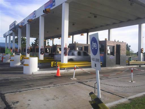 Higüey: Choferes piden que bajen precios de los peajes