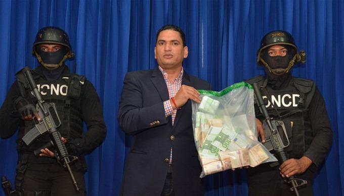 Punta Cana: Apresan mujer que llegó desde Bélgica con 200 mil euros