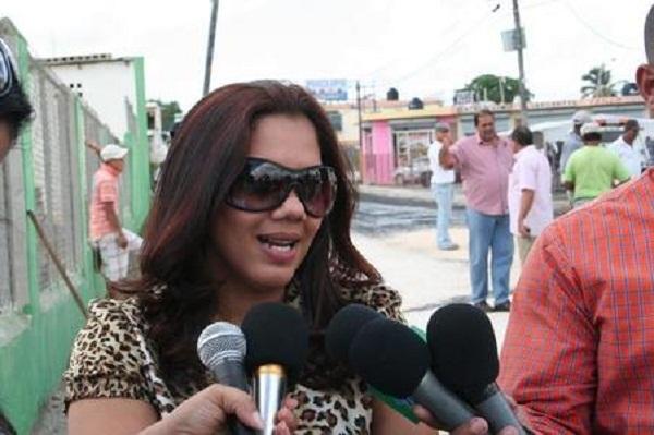 ADOCCO somete amparo contra alcaldesa Karina Aristy por negarse a entregar informaciones.