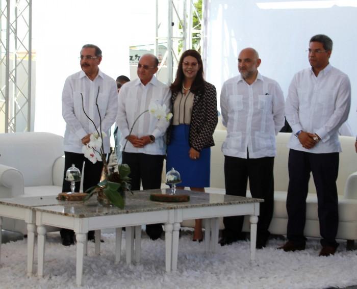 Bavaro: Medina inaugura moderna estación Texaco de Amable Aristy Castro