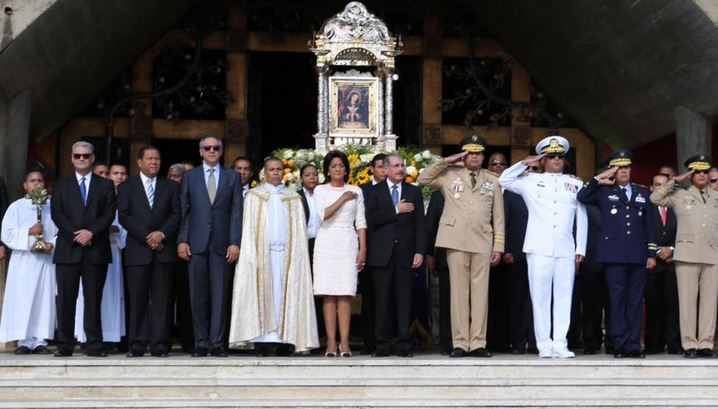 Presidente Medina acude a Basílica de Higüey por motivo celebración de La Altagracia