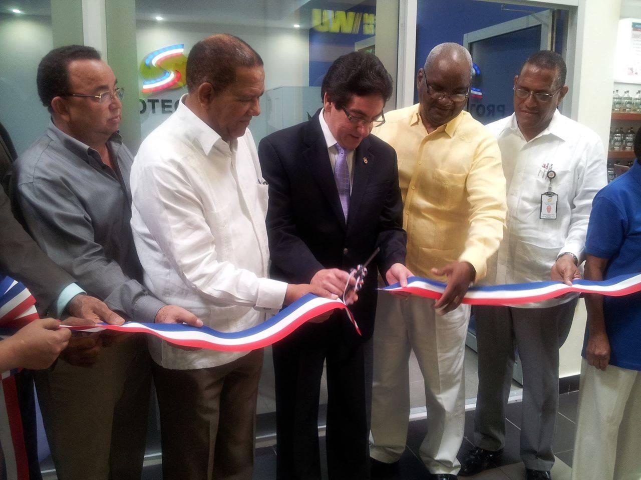 Inauguran nueva oficina de Atención de la Superintendencia de Electricidad en Higüey.