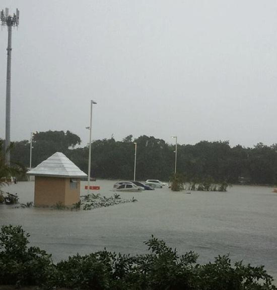 Aguaceros provocan inundaciones  en Higüey