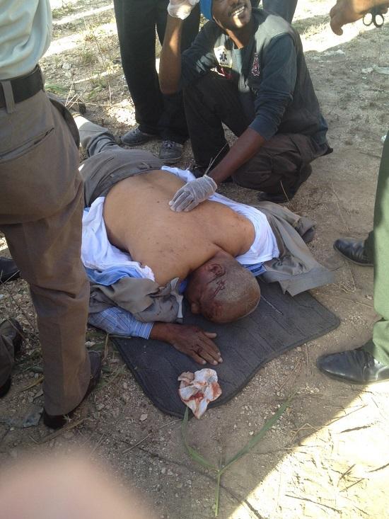 El padre de Robert de la Cruz asistente del presidente sufre aparatoso accidente.