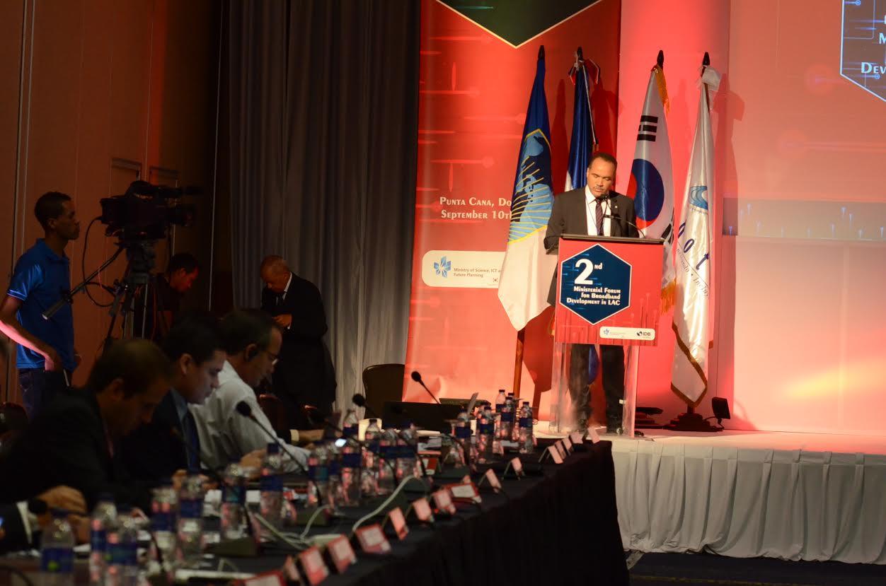 Foro concluye presagiando avance de banda ancha en América Latina y el Caribe.