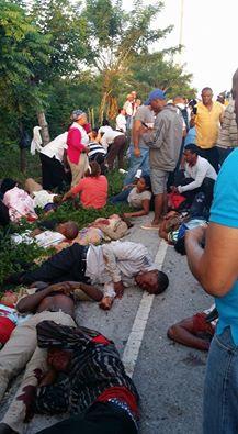 Accidente de esta madrugada deja un saldo de mas de 9 personas muertas y más de 30 heridos.