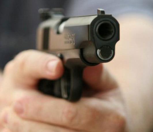 Encuentran joven de 18 años muerta por impacto de bala próximo al cruce del Macao.