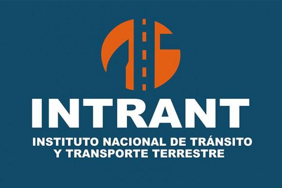 Transportistas del este realizan encuentro con la directora del INTRANT en Santo Domingo.