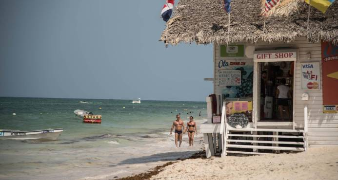Punta Cana: Responsabilizan al Gobierno de la degradación de las playas en la zona.