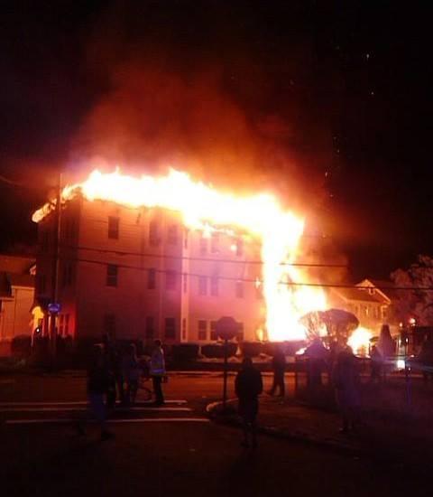 Incendio deja un niña muerta y otro en estado de gravedad en Higuey.