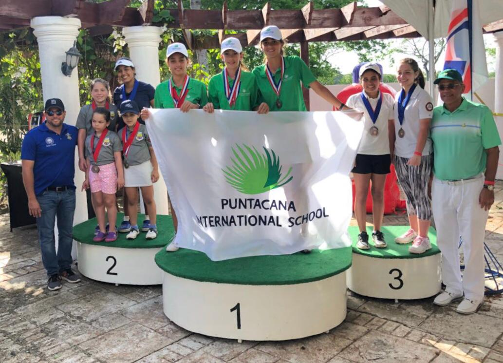 Puntacana International School lidera torneo nacional de golf y presenta proyecto medioambiental.