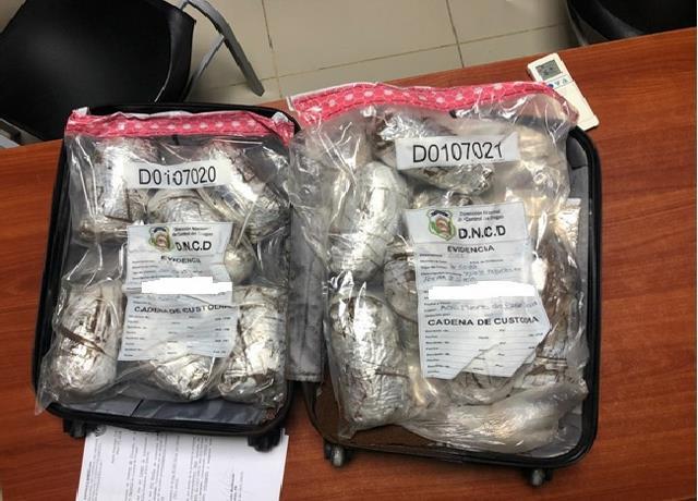 [Punta Cana] Decomisan 14 paquetes cocaína en el aeropuerto.