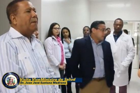 Gobernador encabeza recorrido con Vice-Ministro por varios centros de salud pública de esta ciudad.