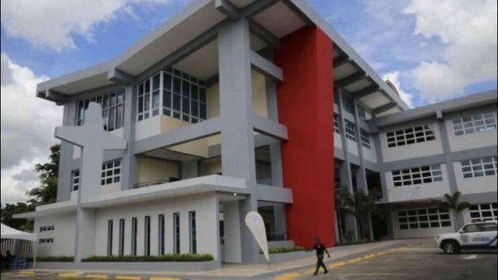 [Ayer] Danilo Medina encabeza inauguración de nuevas instalaciones de la Universidad Católica del Este.