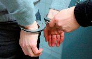 Policía Investiga si un hombre se comió a su madre después de asesinarla.