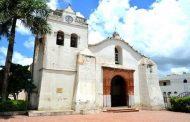 Robo en la iglesia San Dionisio ladrones cargan con objetos de valor y amarran al vigilante.