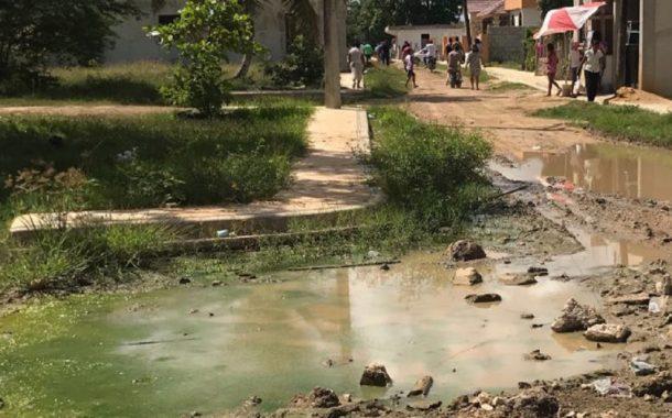 """En el sector Elía Maria Montas: """"no hay una calle que sirva"""""""