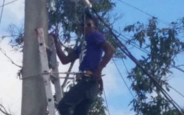 Muere electroculado electricista del ayuntamiento de Higüey mientras instalaba una lámpara.