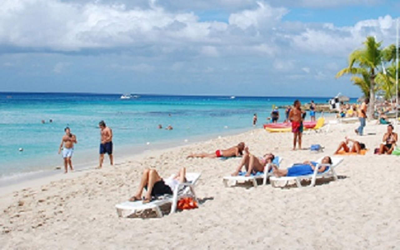 Russian tourist dies drowned in Bavaro Beach.