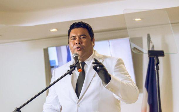 """Cholitin dice que Amable es un """"arruinado al poder, oportunista y desleal"""